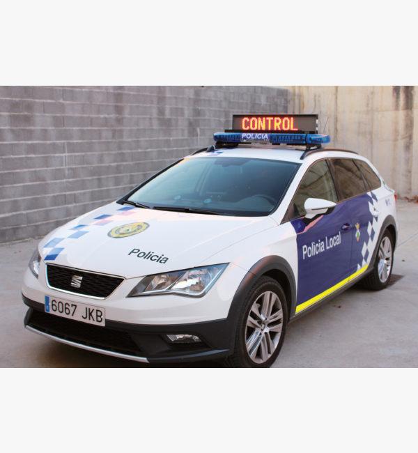 Coche policía con panel de mensaje variable ISAE Scorpio
