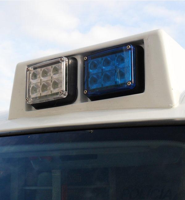 Colocación Foco de led de superfície FR47 azul y blanco (ISAE)